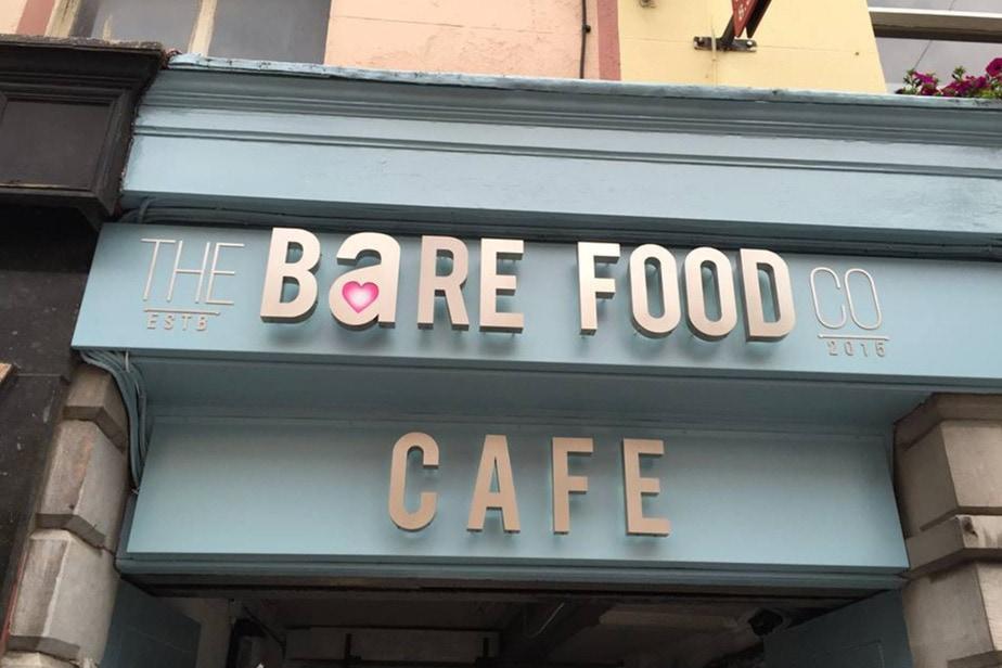 THE-BARE-FOOD-CAFÉ
