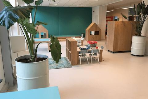 ECOLE-INTERIOR-SCHOOL-AT-SEA-SCHEVININGEN-NEERLAND