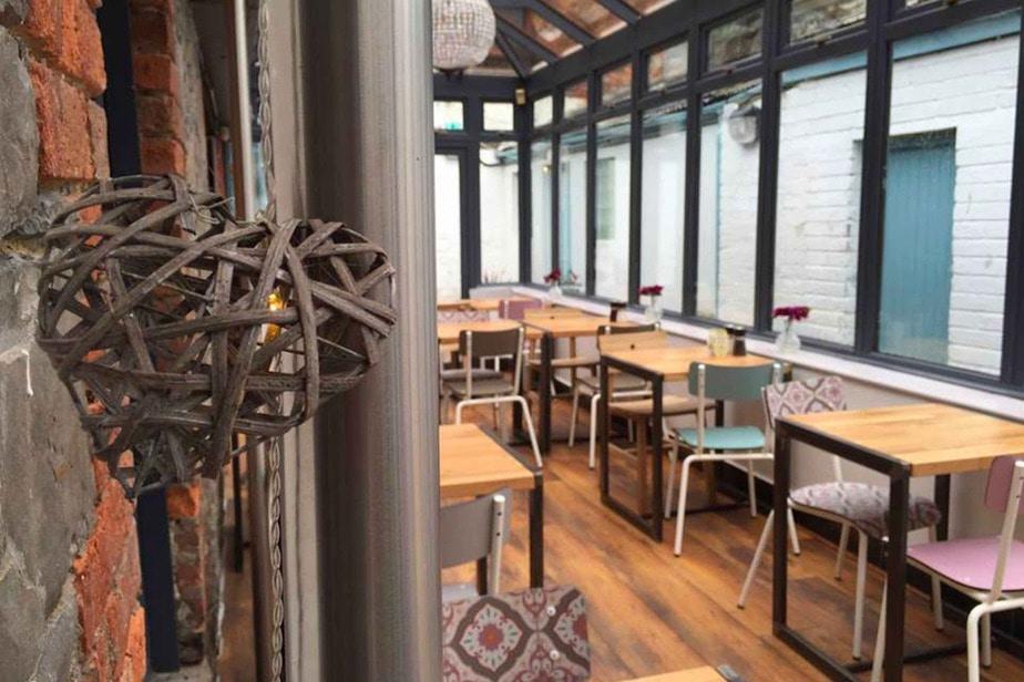 wamiz chaise table restaurant
