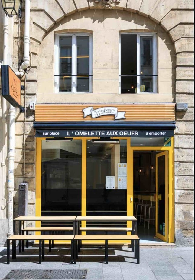ARSENE jaune table chaises omelette