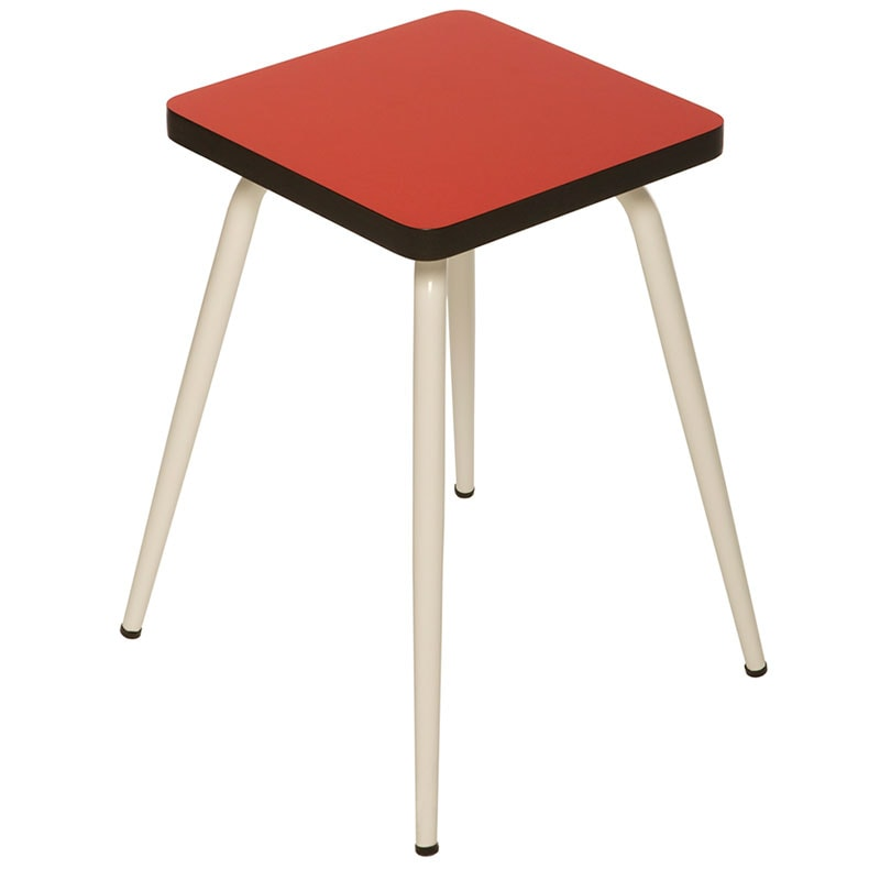 tabourets assises rouge coquelicot