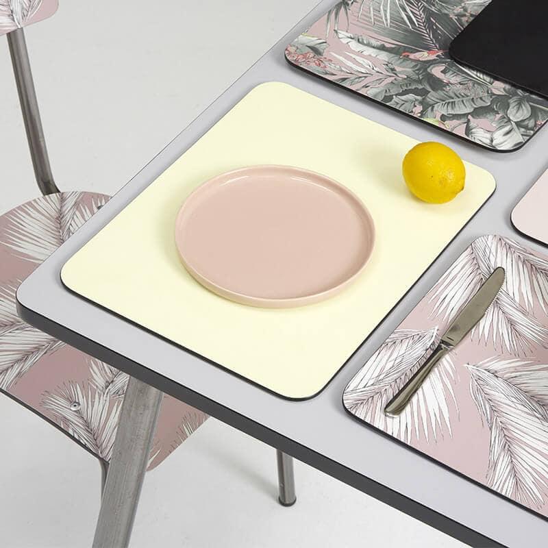 Set de table sets de table retro rose lulu motif palmier for Set de table rose