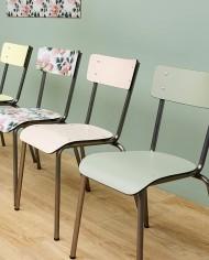 ambiance chaises coleurs