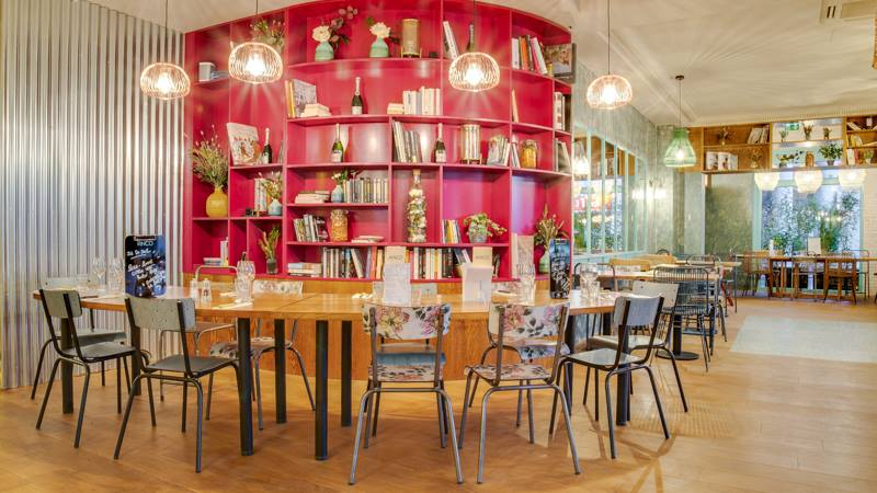restaurant décor
